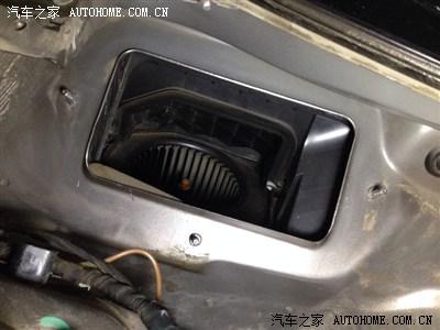 海马系列及丰田花冠,威驰需将空调电阻拆下.