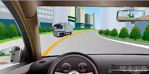如图所示,驾驶机动车行驶至此路段时,应当减速靠右侧行驶。